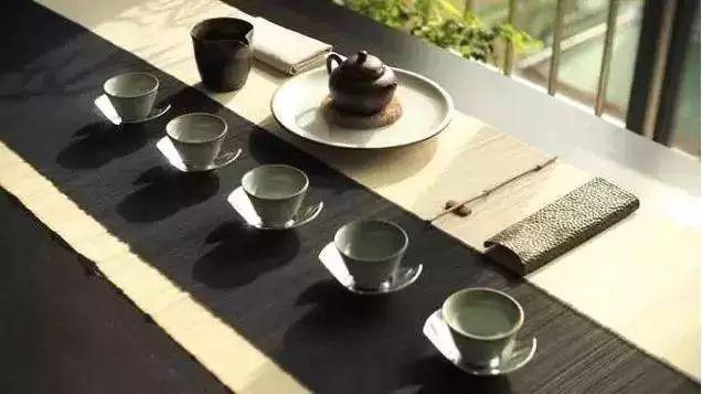 茶席设计是指以茶为灵魂,以茶具为主体,由不同的因素结构而成的有独立图片