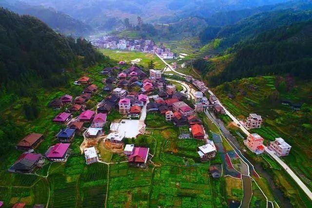 在融水元宝山西麓,有一座安静的小乡村,它叫安太乡.
