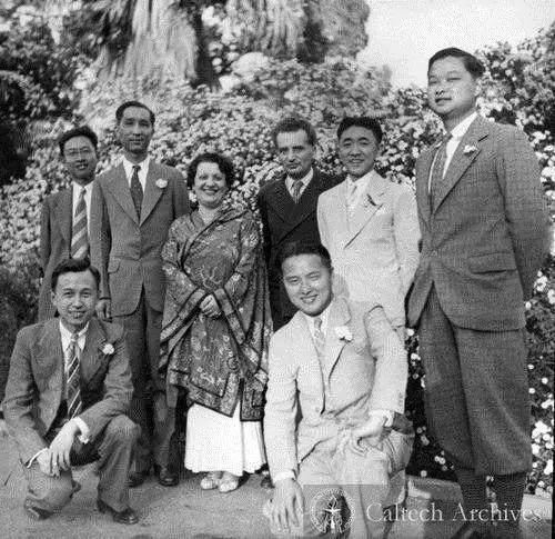 钱学森和冯卡门1945年的秘密中国行
