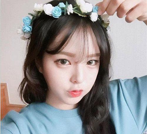 日韩范的甜美风的中长发很适合长相甜美女生,空气刘海+中长卷发甜美修