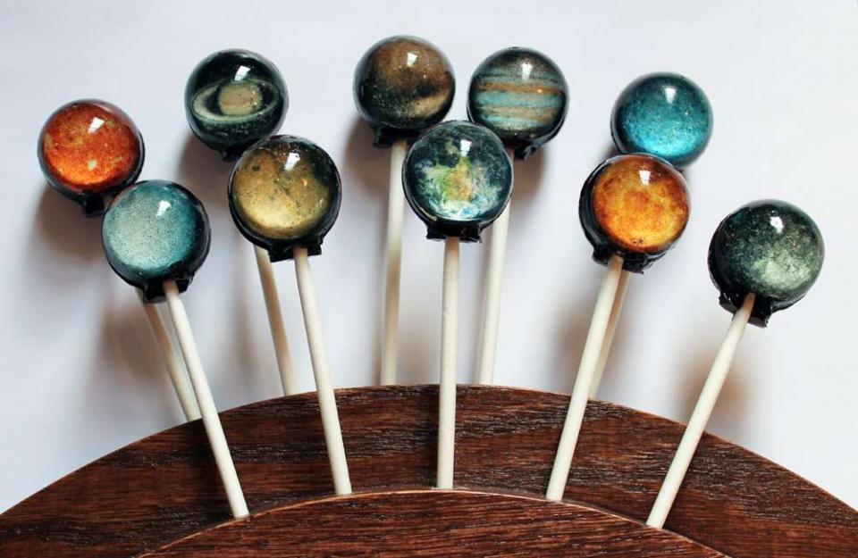 好看又好吃的送礼神器:10款创意棒棒糖图片