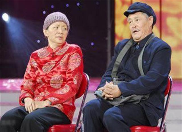 赵本山不上春晚原因_而宋丹丹跟着赵本山在春晚舞台上也是一炮而红,宋丹丹演的白云和赵
