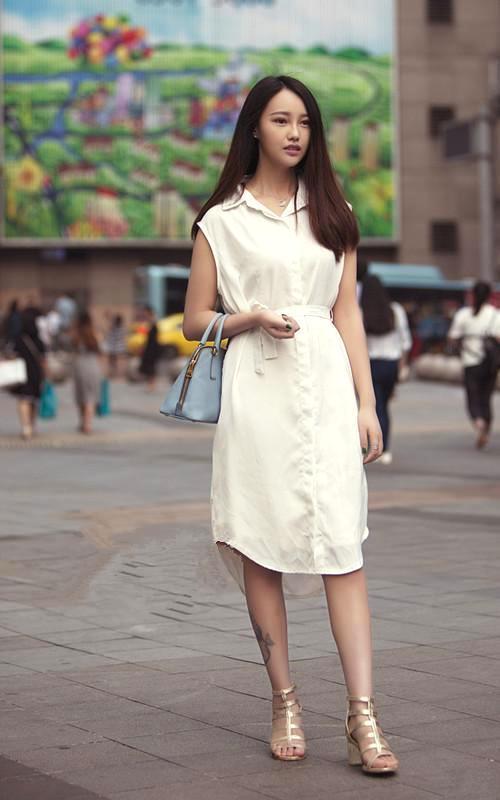 色小姐黄色网_街拍 黄色连衣裙简单随性 小姐姐穿得美炸了
