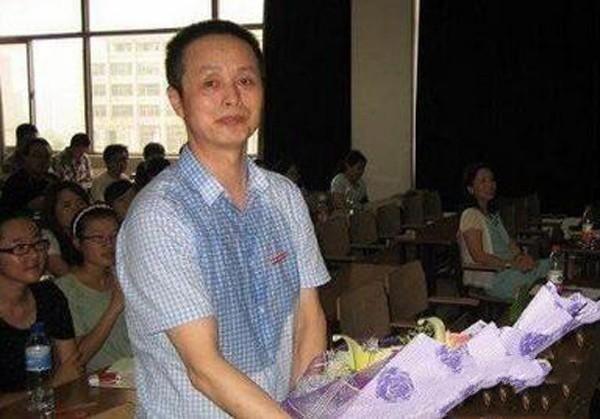 奶茶妹妹家世显赫 父亲章丽厚是南京富豪