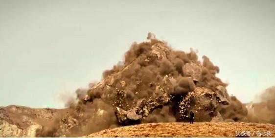 金字塔电影_话语不多却可以呼风唤雨,从影片开始小孩堆积的金字塔就已经看出来.