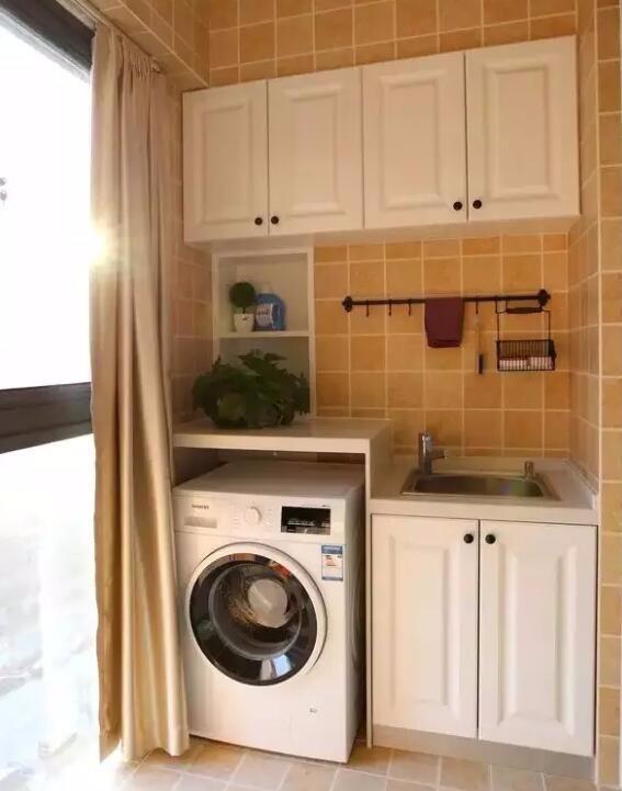 小户型阳台不通风,洗手间和厨房有点暗,怎么装修设计呢