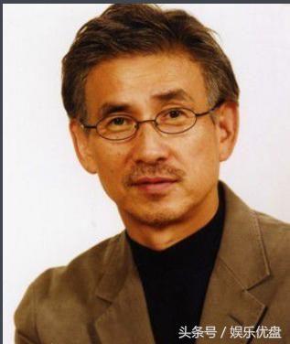 在特摄剧《迪迦奥特曼》中饰演迪迦奥特曼人间体圆大古.
