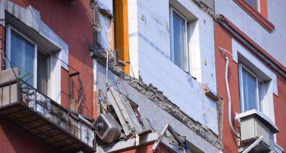 一般的阳台承重墙包括墙承式,挑梁式,挑板式,内嵌式四种.图片
