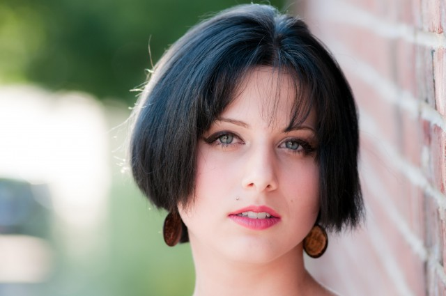 短发齐耳圆脸好看get这些点非常重要染发和烫发啥v短发a短发图片