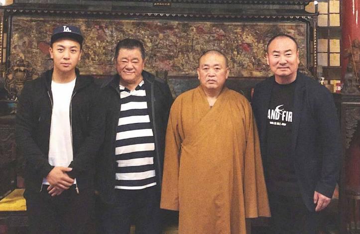竹联帮嘻哈教主陈功_释小龙家庭背景被曝光,与向华强平起平坐,黑白两道没人敢惹!
