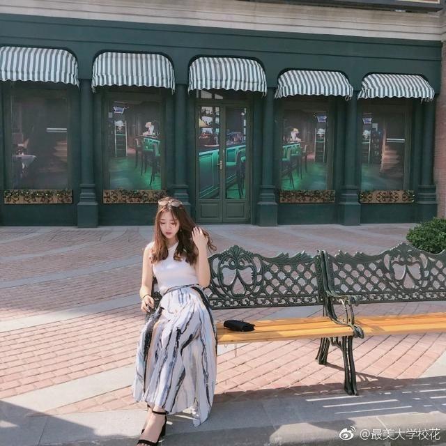 江西女生师范大学女孩v女生科技付出的酒窝眉眼太多美女带笑图片