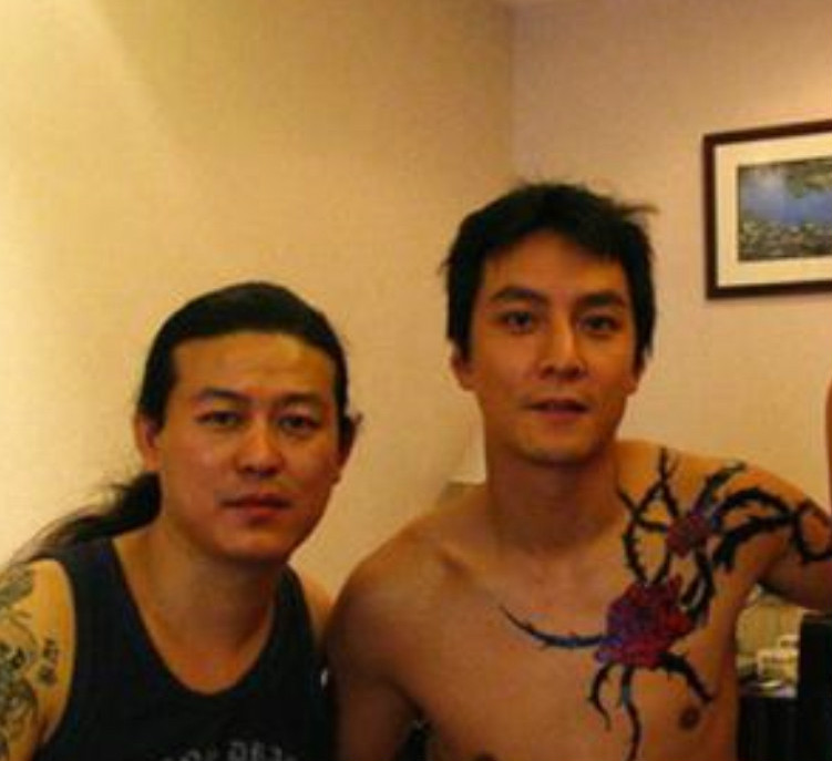 娱乐圈这些大咖也爱玩纹身,刘德华纹老鹰,郑伊健最霸气