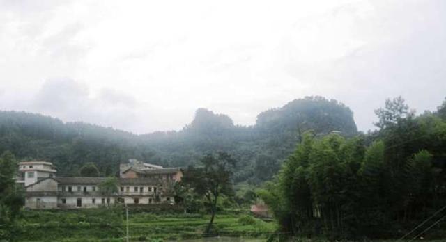 天堂山 天堂山风景名胜区为省级风景名胜区,位于常宁市南部,湘江中游