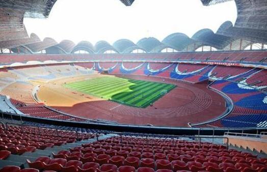 五一体育场,最初的名字为绫罗岛体育场,其位于朝鲜首都平壤市风景秀丽