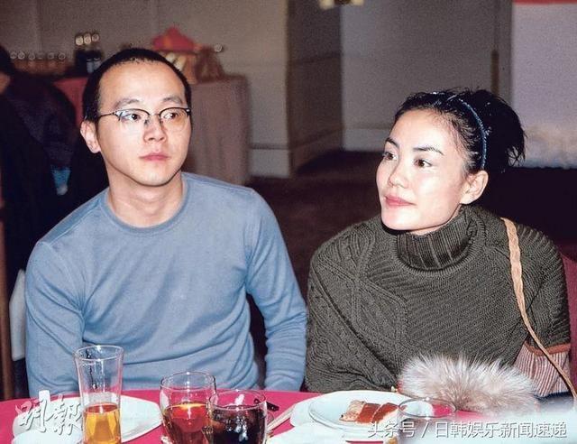 网友偶遇王菲前夫窦唯 不修边幅中年发福