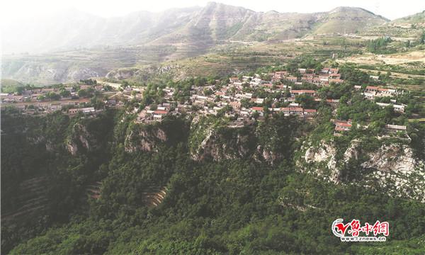 悬崖上的村庄--逯家岭