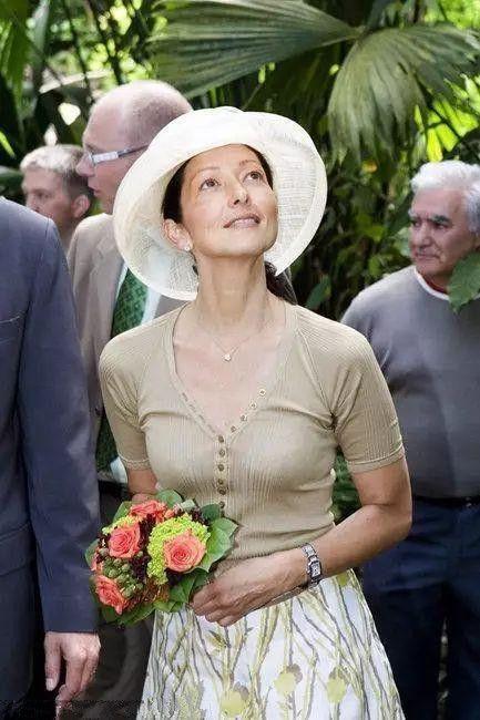 丹麦王妃文雅丽_伊万卡与丹麦王妃文雅丽比美 网友:香港出身的文雅丽完胜