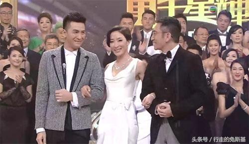 tvb颁奖礼2011_这场tvb颁奖礼,可能是吴镇宇张智霖钟嘉欣最不愿提起的往事!