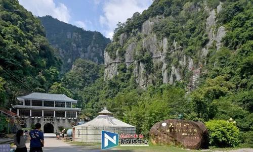 """市旅发委表示,本次旅游景点优惠活动,是""""福州市民周一景区欢乐游活动"""""""