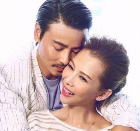 蔡少芬港台一线明星,张晋是一名武打演员,挺般配的,过的也非常幸福