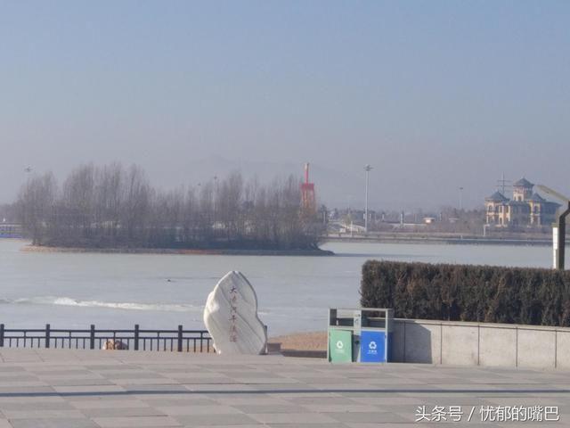 辽宁喀左龙源湖风景区位于辽宁省朝阳市喀左蒙古族自治县,是国家4a级