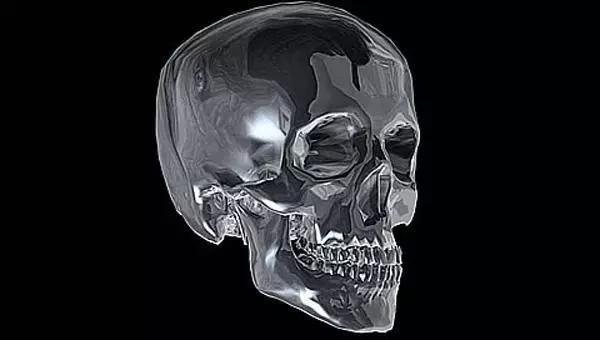 玛雅墓穴中现颅骨