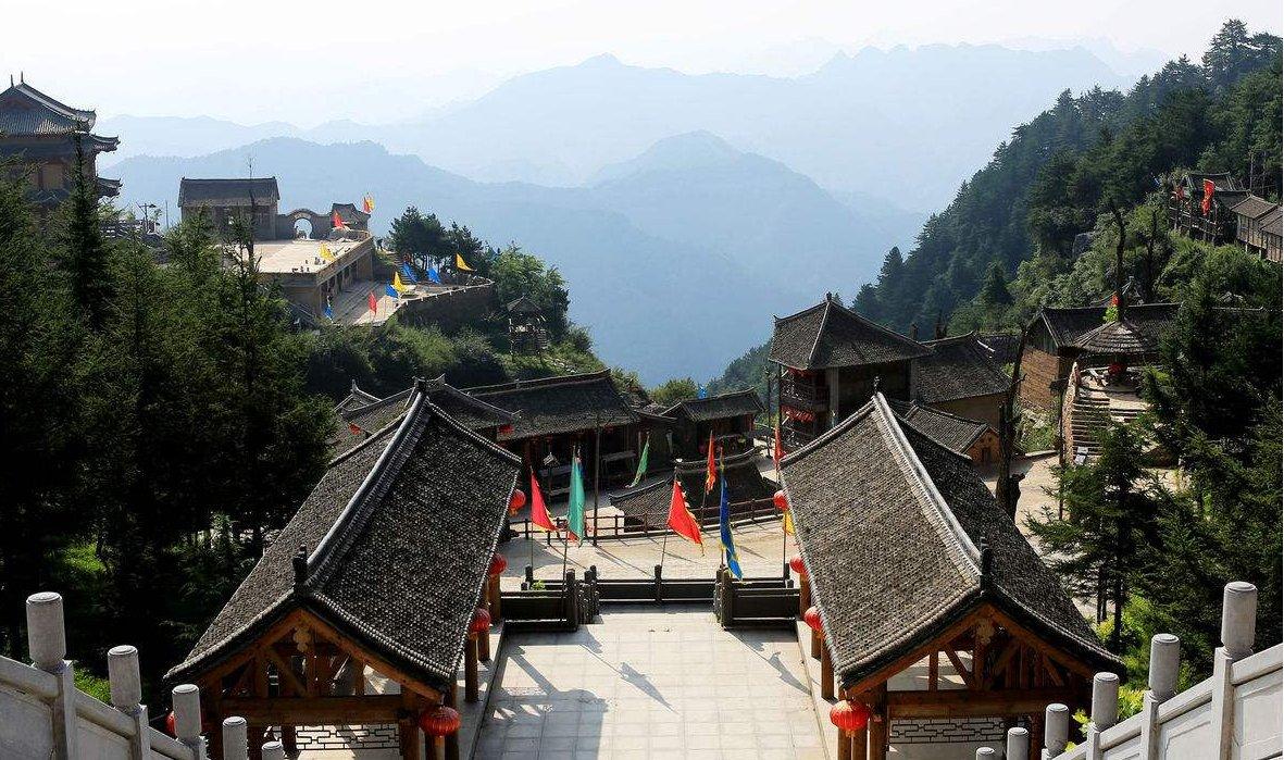 """河南最好玩的旅游景点:旅客去到那里都争着当""""土匪"""""""
