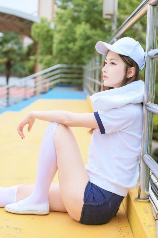 大长腿美女运动服性感撩人写真图片视频最新美女图片