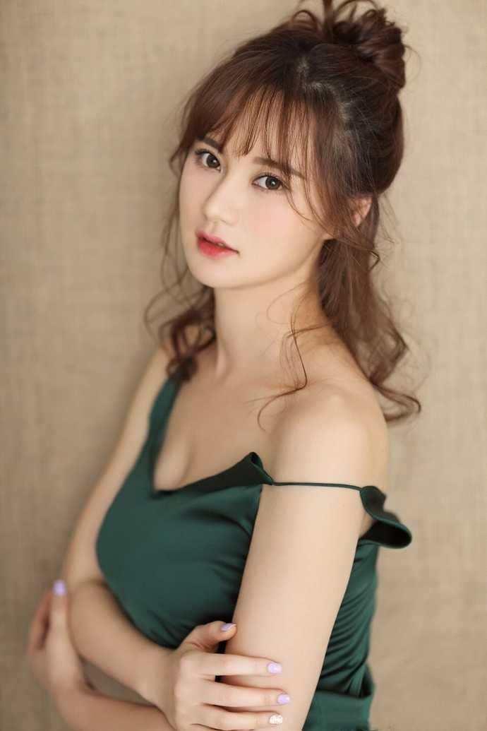 日本熟女奶牛女神_她是赵本山最宠爱的女弟子, 如今变熟女奶牛