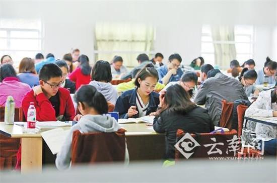 高中生入学教育视频_43万人,与2010年相比,高中阶段毛入学率提高15.