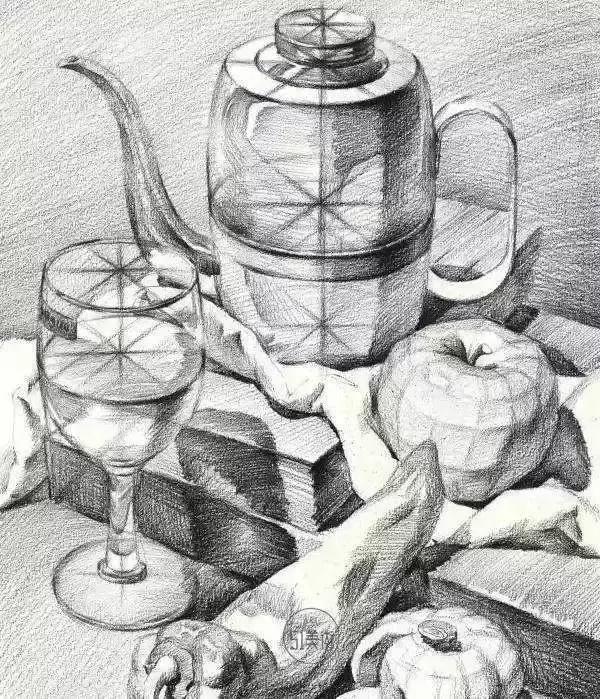 其实画素描苹果还是很简单的 重要的是把圆的苹果看成是一个块面结构