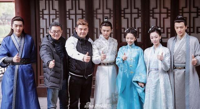 《锦衣之下》是由任嘉伦,谭松韵,韩栋,叶青,姚奕辰等主演,主要讲述的图片
