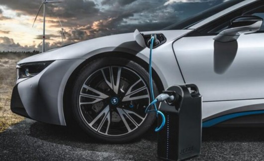 新能源电动汽车的辐射大吗?下雨天可以充电吗?