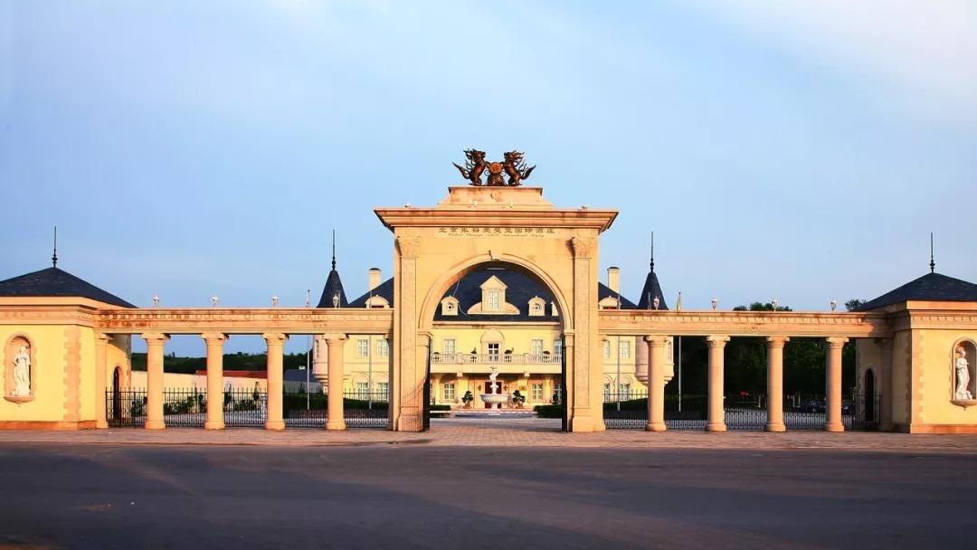 葡萄长廊拍过《猎场》 1 欧式建筑风情外景 ▲此场景曾拍摄过《咱们