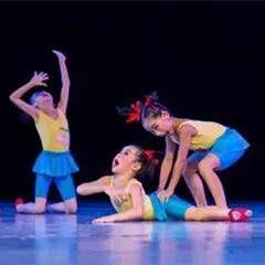 【教学】幼儿园元旦舞蹈《小舞蹈找妈妈》+《双打boss解说蝌蚪图片