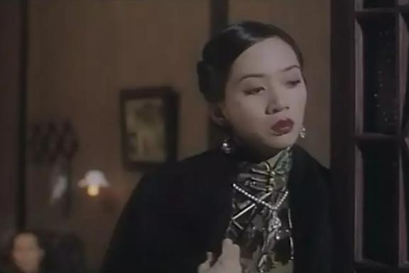 2002年剧版林心如搭档谭耀文,所诠释出来的温婉善良的顾曼桢与英俊温图片