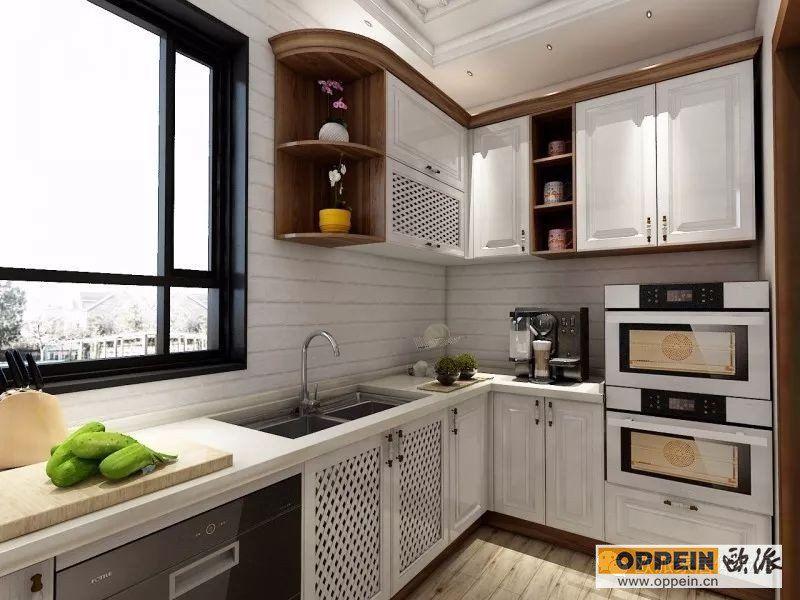 半开放式,带地中海元素的简欧式橱柜设计,完美包覆梁柱.