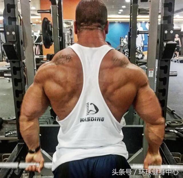俯卧撑练胸肌效果好吗_俯卧撑做多少合适 练胸肌_俯卧撑能练胸肌吗
