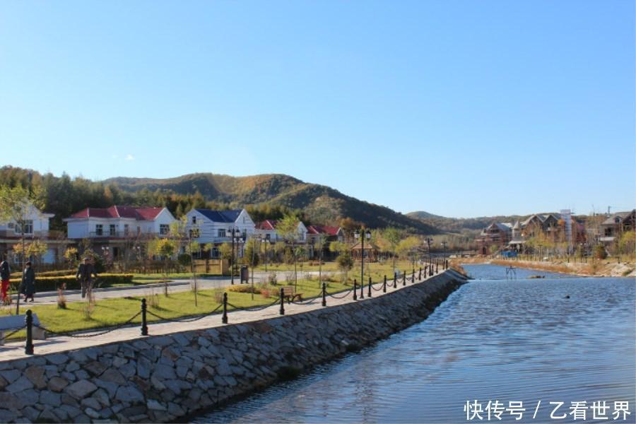 二龙山: 花乐山风景区