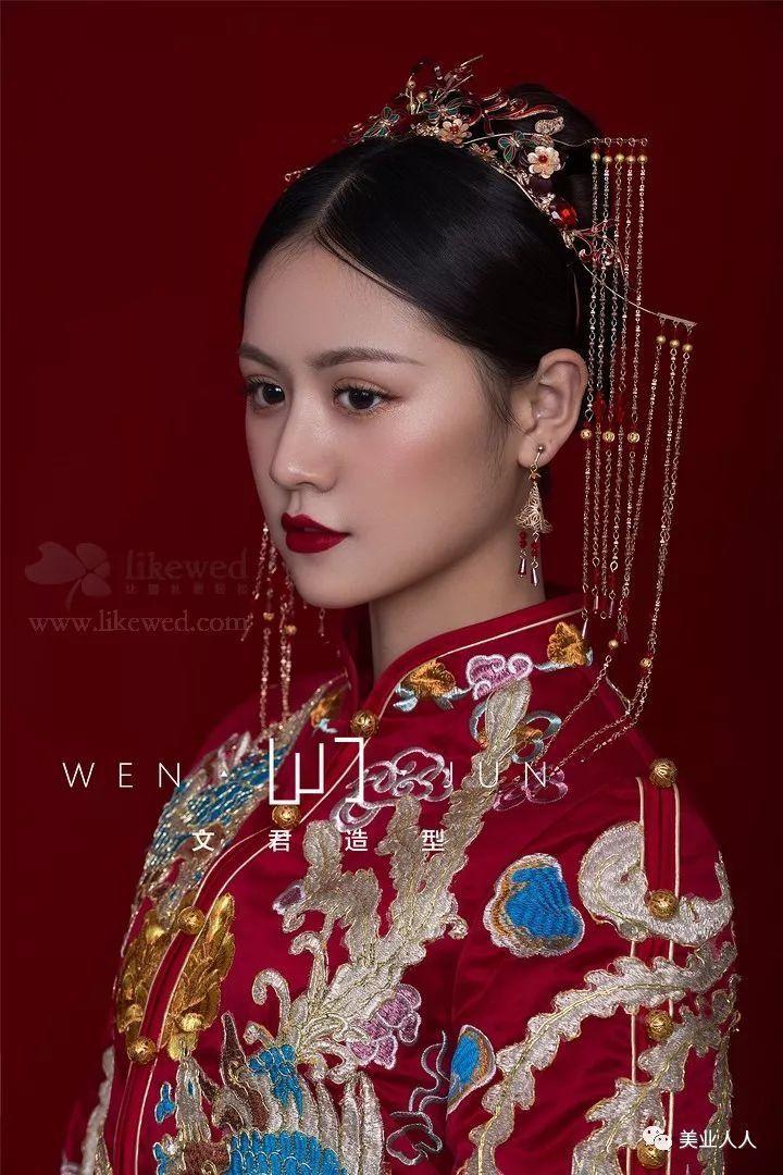 中式新娘发型这样做,婚礼必备的秀禾造型!