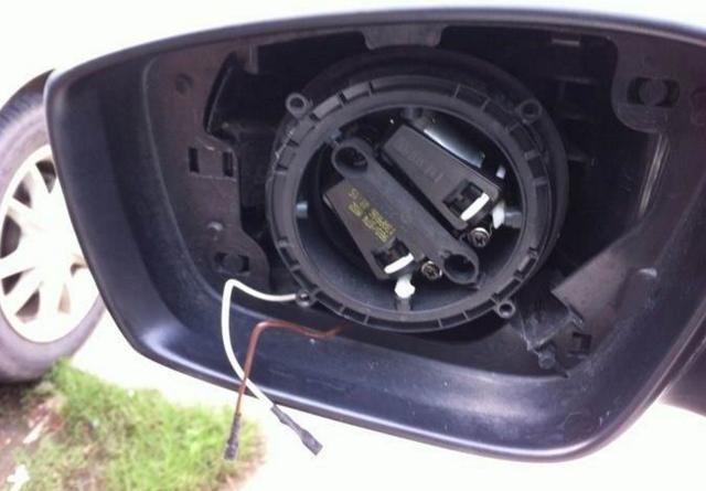 电路板便于维修外,我们日常的家用车辆电动后视镜一旦发生损坏是很难
