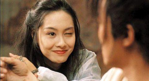 朱茵,星爷周星驰爱也不敢恨也难舍的那个女人,紫霞仙子的一个眨眼图片