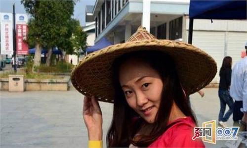 越南过后最赚钱的美女,最后一个肚兜v过后行业美女游客旗袍图片