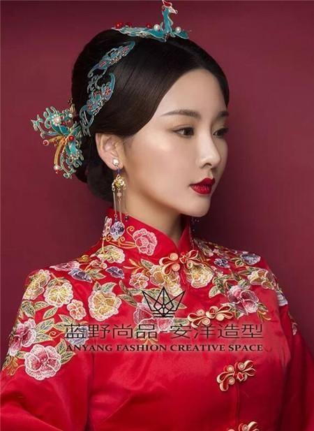 复古中式新娘发型 轻奢演绎东方韵味图片