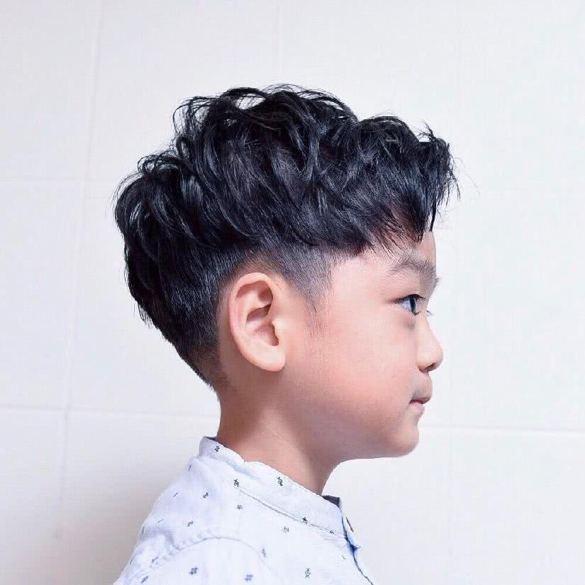 男宝宝发型教程头发少 圆脸头发少适合什么发型图片