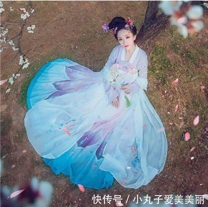 """查看截屏并进一步了解""""新娘梦幻婚礼:时尚化妆婚纱换装发型设计公主图片"""