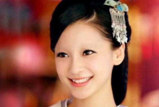 当女星没了眉毛:赵丽颖更加帅气,杨颖更加可爱,关晓彤