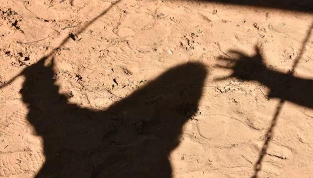 印度律师性侵7岁男子被民众要求处死,没有女孩女生活照卖图片