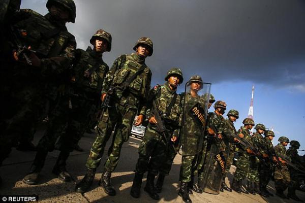 女星热舞激怒高层泰国总理派孕妇v女星性感表军队扮大肚性感图片