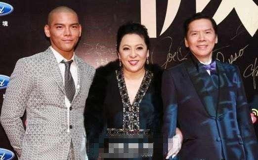 香港电影明星大佬_向佐继承了父亲的好基因,而他的父亲是电影界的大佬,而向左坚持用自己